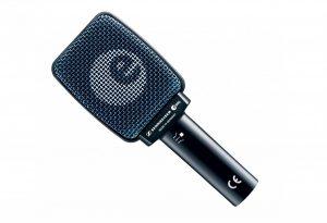 Micro Sennheiser e906 (reprise ampli guitare)