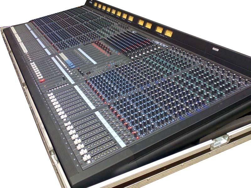 Table De Mixage Yamaha M 3000 40 C Yonne En Scene